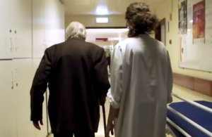 Самый старый человек с ВИЧ умер в возрасте 100 лет