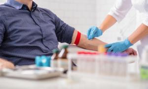 «Профессия обязывает». Кому Минтруд рекомендует сдать тест на ВИЧ?